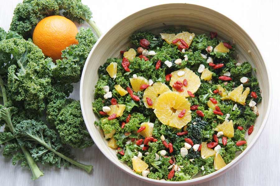 Grünkohlsalat - volle Schüssel Gesundheit