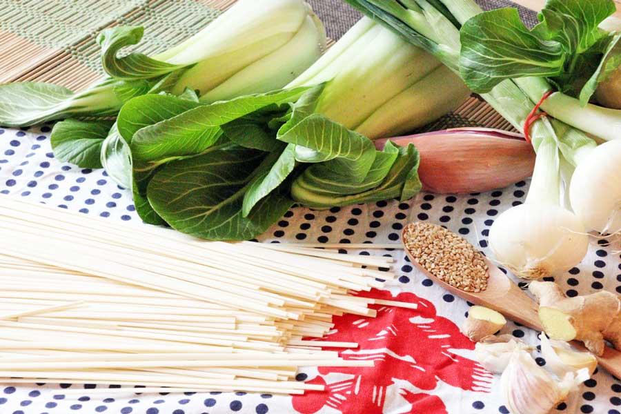 Zutaten für Japanische Nudeln aus dem Wok